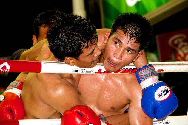 Fight Night at Lumpinee Boxing Stadium - Bangkok Thailand 02
