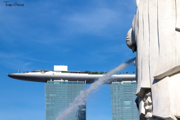 Marina Bay Sands and Merlion in Singapore